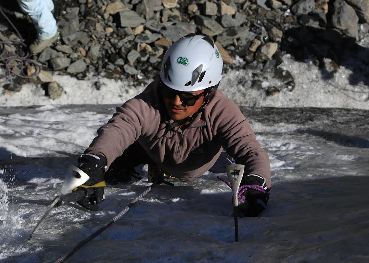 Youth_Mountaineering_and_Ice_climbing_2017_Event